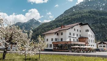 HotelNeuePost-Holzgau
