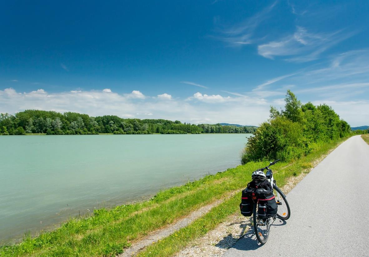 Cycling along the world-famous Danube
