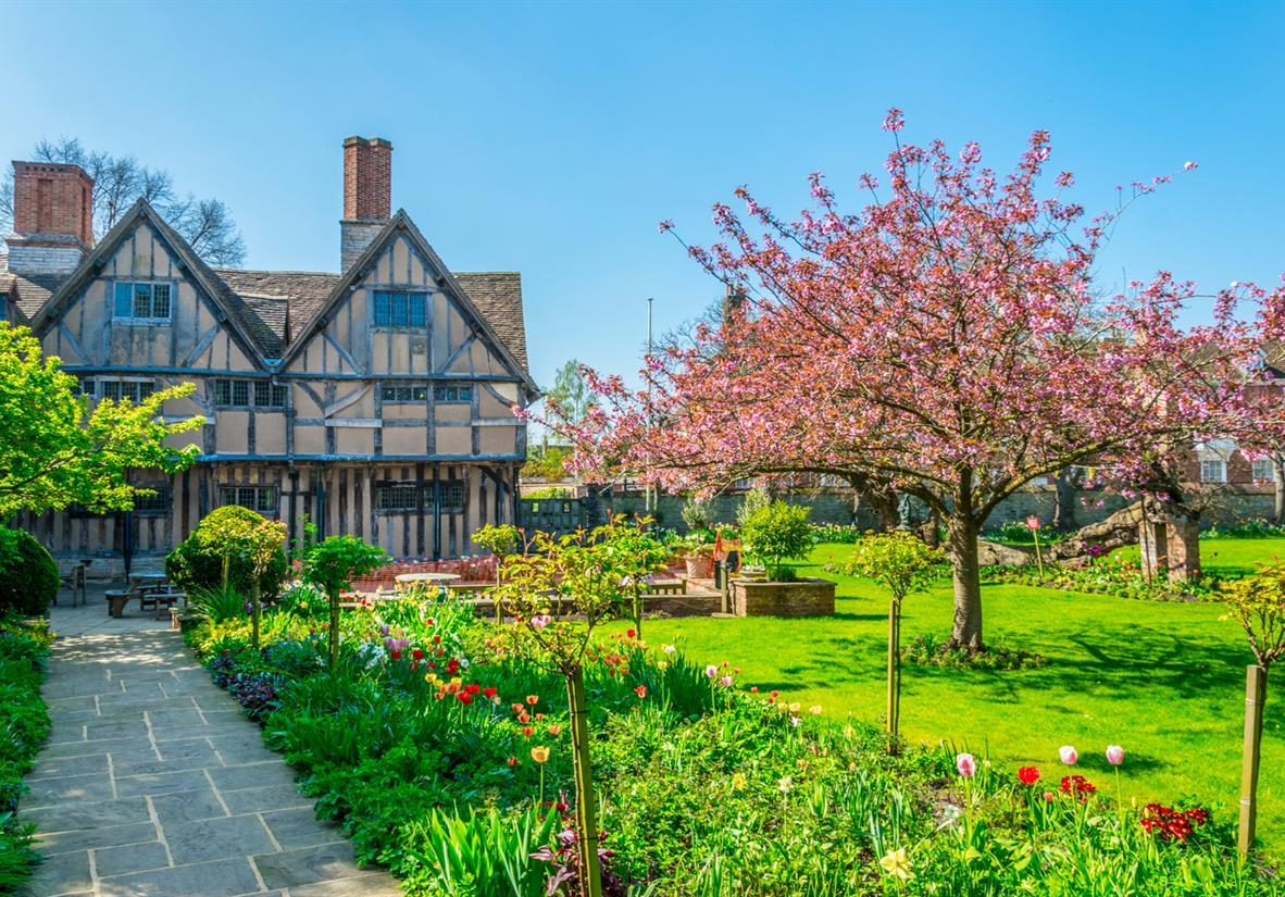 Halls Croft gardens in Stratford-Upon-Avon