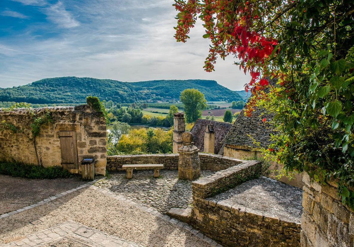 Autumn colours in Dordogne
