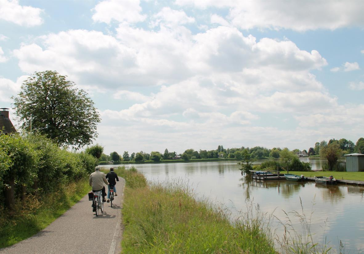 Easy cycling along quiet cycle paths