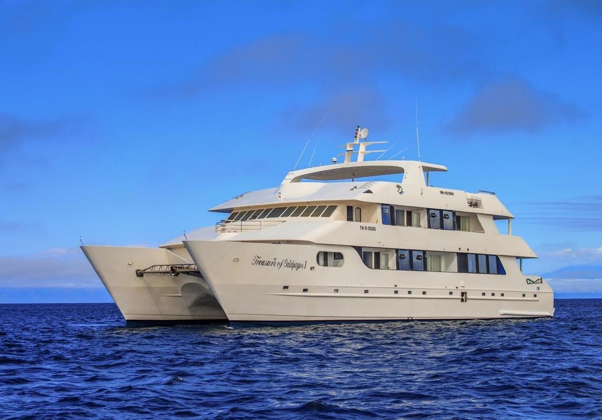 Cruise around the Galapagos Islands