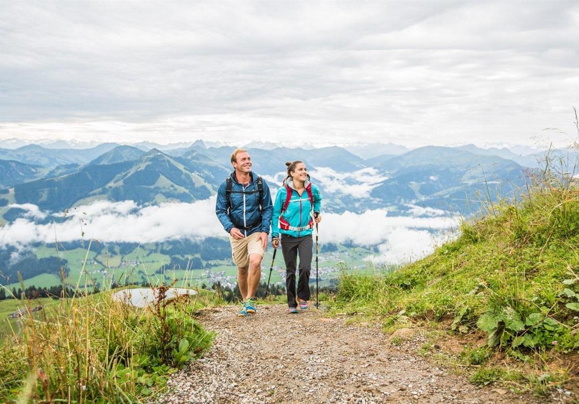 Hike well-maintained paths on the KAT-Walk ©Mirja