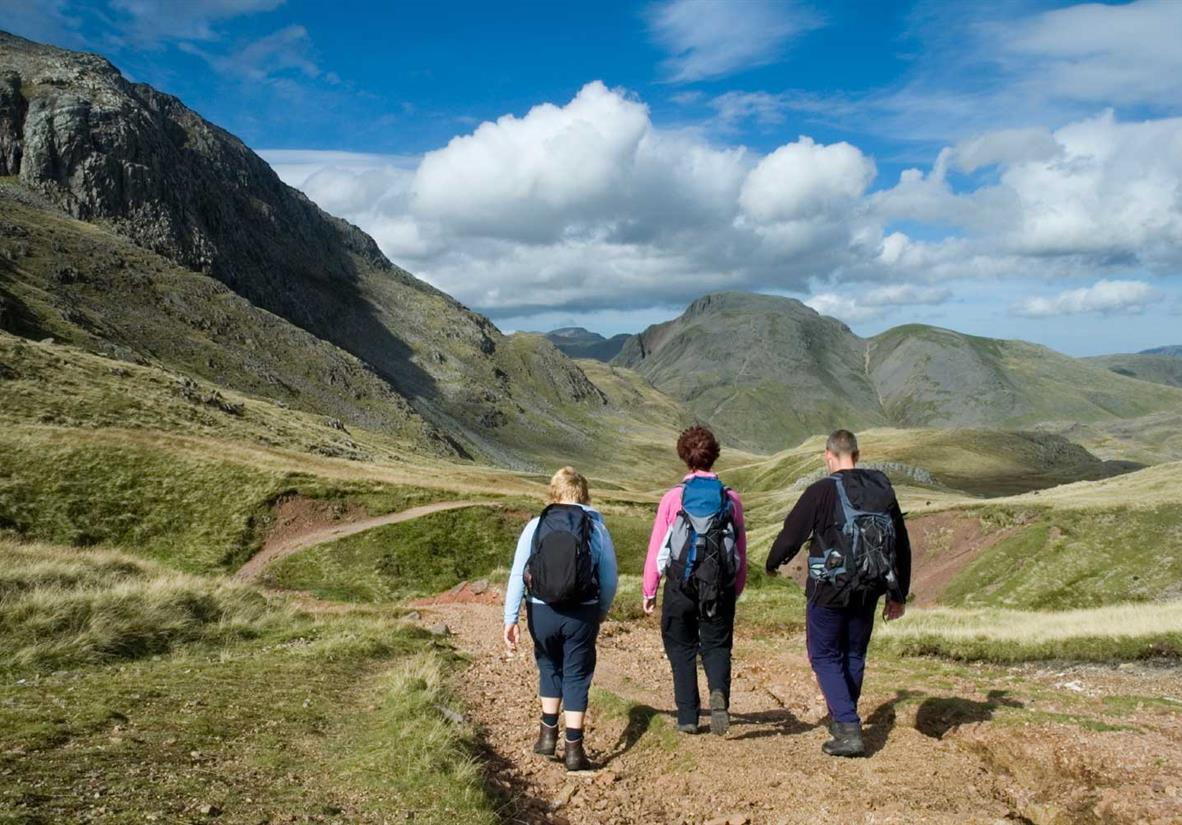 Zunächst geht es über die Berge des Lake District