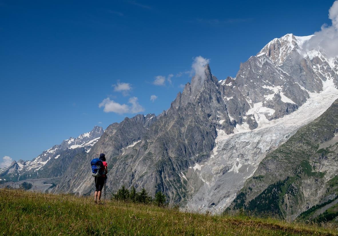 Atemberaubende Alpen-Szene