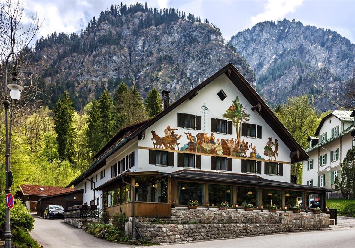 Typical Bavarian building in Garmisch-Partenkirche