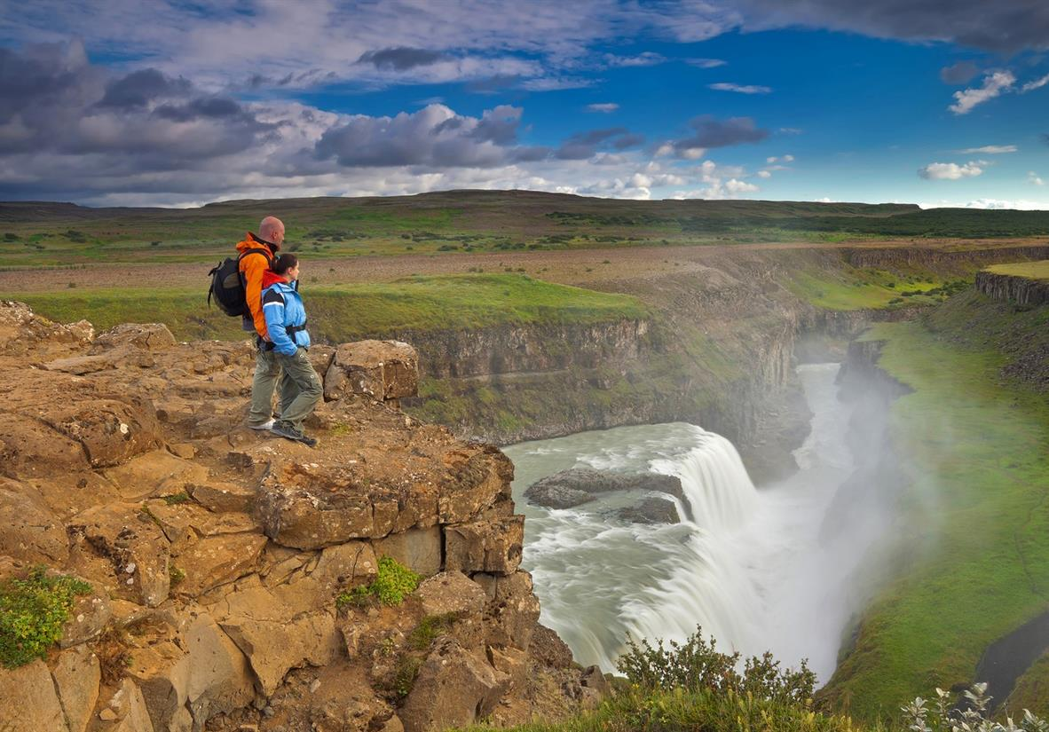 Self-drive and hike tour around Iceland in 15 days
