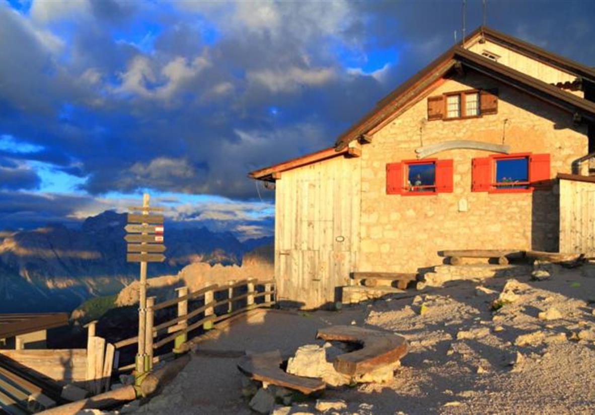 Rifugio Nuvolau - eine schlichte Berghütte