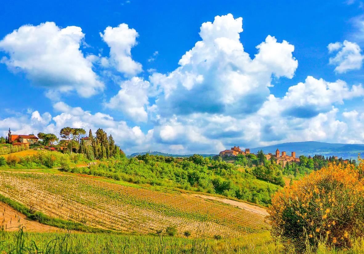 Rolling hills near San Gimignano