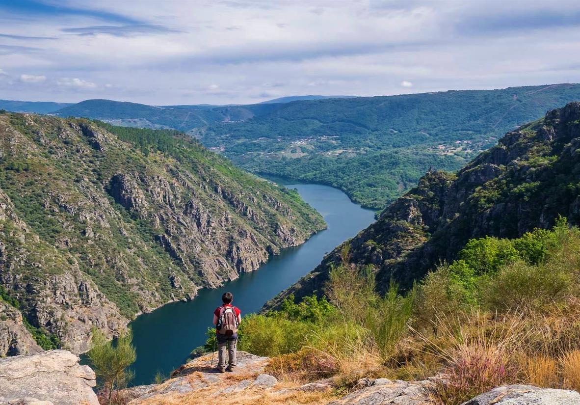 Impressive views await on the Camino Invierno