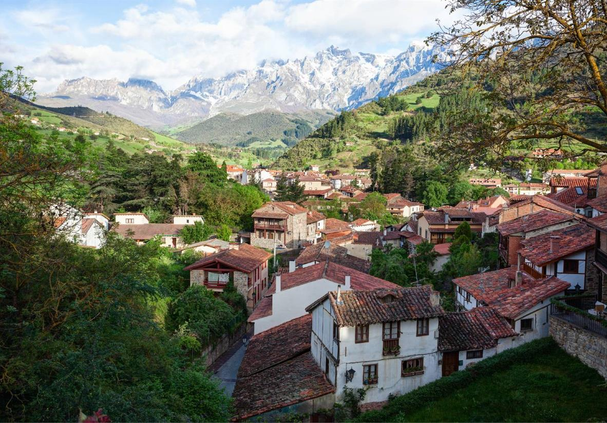 Discover the mountain village of Potes