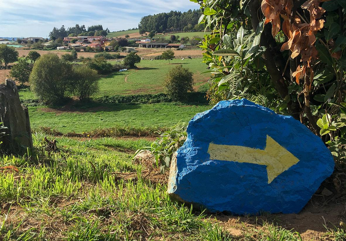 Painted rocks will guide you throughout the Camino
