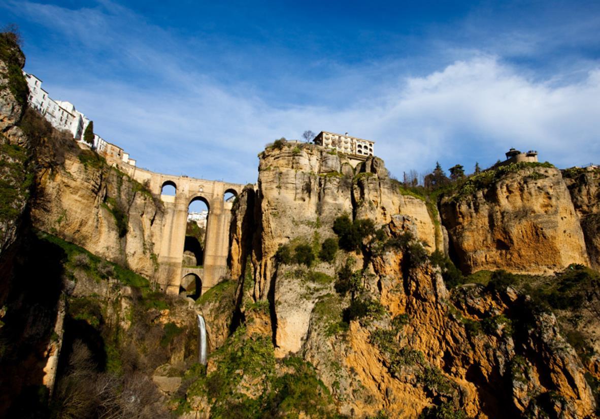 Ronda mit der bekannten Brücke Puente Nueva