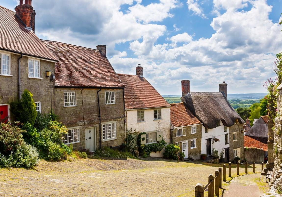 Thatched cottages on a country lane